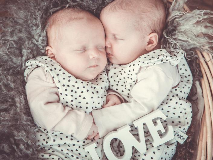 Baby und Babybauch
